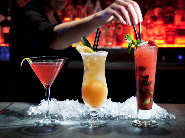 5_cocktails_a_ne_pas_commander__dans_un_bar-Le_Barman_Vous_Deteste